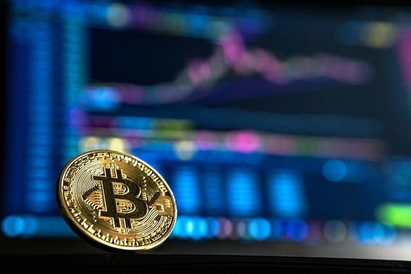 a comerciante de bitcoin emilia clarke estratégia para a binomo usando o sistema parabólico melhor lugar para negociar bitcoins
